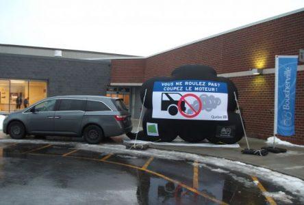 Campagne de sensibilisation Coupez le moteur! à Boucherville