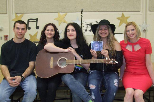 Les élèves de l'école l'Impact produisent un troisième CD