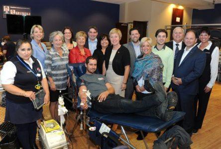 122 donneurs à la 5e Grande collecte de sang de la mairesse de Longueuil