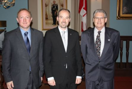 Quatre membres de la Commission des jumelages de Boucherville en visite à Kingston