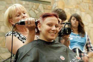 Le Défi têtes rasées de Leucan aura lieu dimanche aux Promenades Saint-Bruno