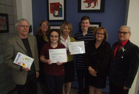 Deux élèves de l'école De Mortagne reçoivent des certificats honorifiques