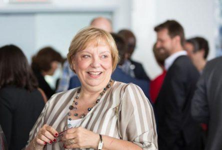 Francine Crevier Bélair se penche sur les dossiers de la circonscription