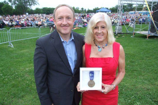 Florence Junca Adenot reçoit le prix Pierre-Boucher de l'Ordre du mérite