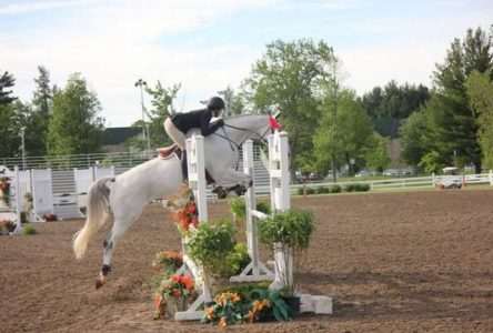 Une jeune cavalière de Boucherville se mesurera à une compétition nationale à Toronto