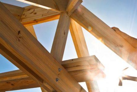 Le marché de la construction résidentielle s'est porté mieux en août