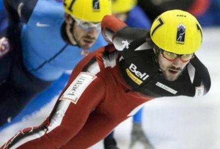 Charles Hamelin de Sainte-Julie s'illustre alors que le Canada remporte un nombre historique de médailles!