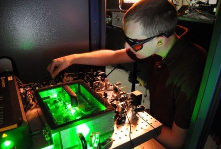 Une nouvelle chaire de recherche pour attiser la flamme scientifique chez les jeunes