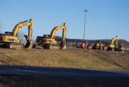 Le viaduc reliant les deux parties de Sainte-Julie est démoli en quelques heures