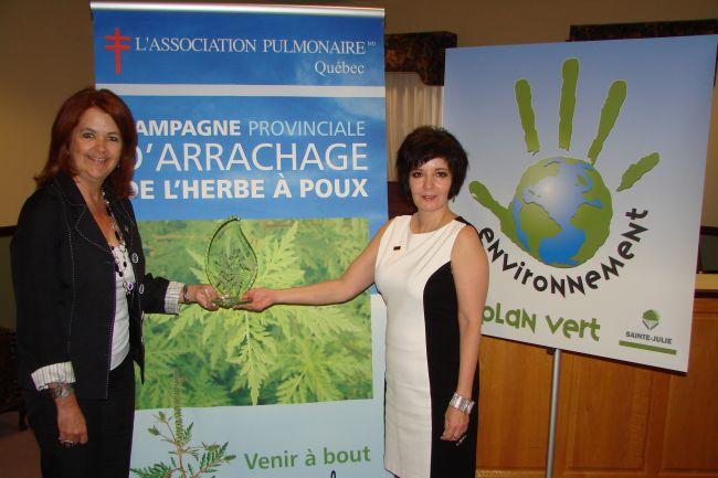 Sainte-Julie est porte-parole de la Campagne provinciale d'arrachage de l'herbe à poux