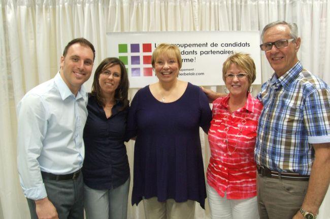 Quatre candidats indépendants au poste de conseiller municipal se regroupent autour de Francine Crevier Bélair