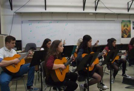 En avant la musique à l'école De Mortagne