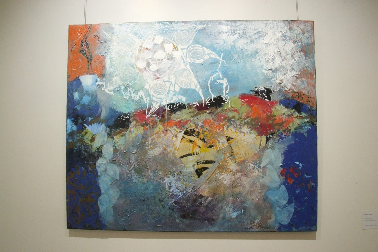 L'exposition L'héritage culturel  rassemble le travail de neuf artistes locaux