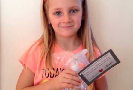 La jeune Varennoise de 7 ans veut amasser des fonds pour la Maison Source Bleue