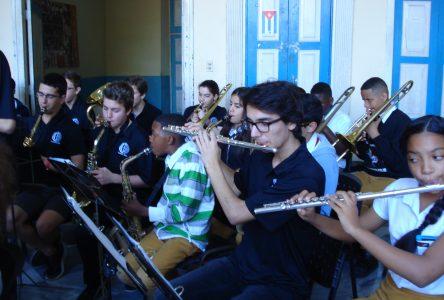 Des élèves de l'École d'éducation internationale font un séjour culturel à Cuba