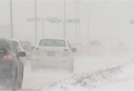 Conditions de blizzard et plus de 30 cm de neige prévus dans la région