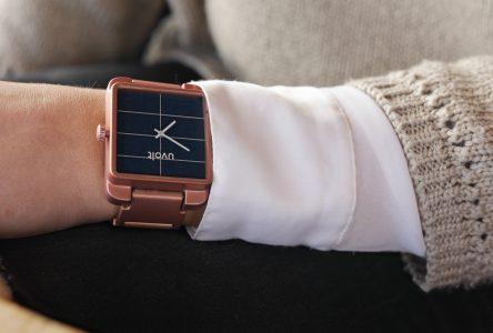 Nouvelle montre technologique permettant de recharger un cellulaire