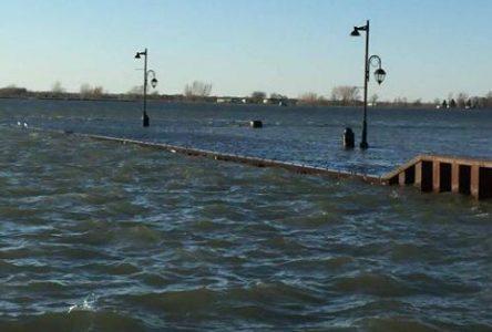 La crue des eaux inquiète dans la région…