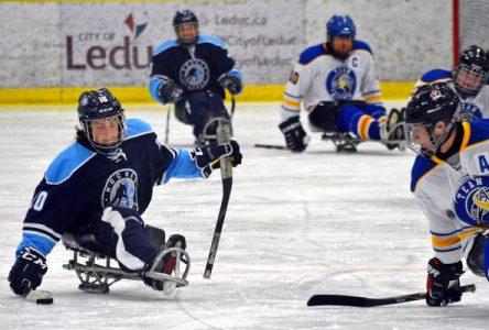 Le championnat canadien de hockey sur luge débute vendredi à Boucherville
