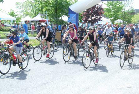 La Vélo-Fête de la famille attire 800 cyclistes et 2000 participants à Boucherville