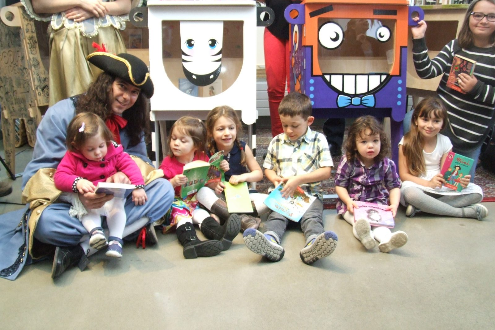 Cinq boîtes de Croque-livres désormais installées dans cinq établissements de Boucherville