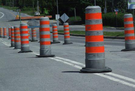 Travaux d'asphaltage et de réfection de la piste cyclable sur le boulevard Marie-Victorin à Boucherville