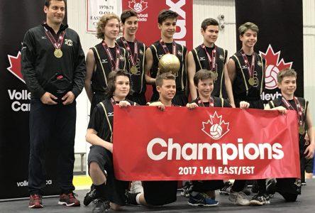 L'équipe de volleyball Noir et Or de Mortagne devient championne de l'Est du Canada