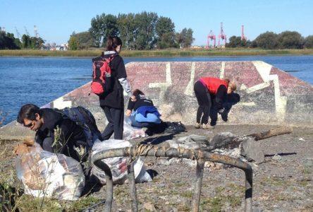 Corvée de nettoyage des rives du fleuve à Longueuil le samedi 23 septembre