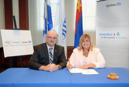 Québec renouvelle son entente de développement culturel avec Longueuil