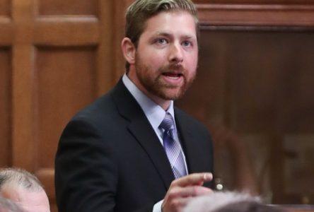 « Ottawa serre la vis aux PME et maintient son laxisme envers les étrangers » -Xavier Barsalou-Duval