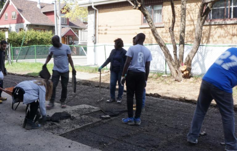 Journée mondiale de l'eau : de l'asphalte aux espaces verts collectifs Le projet Sous les pavés en Montérégie