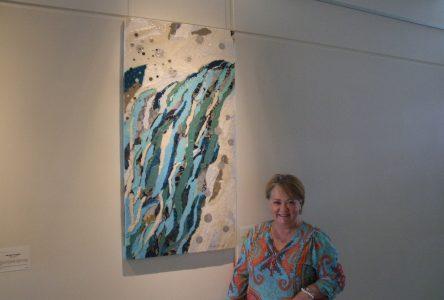 Lise des Greniers propose en avril sa collection d'oeuvres Déchirures