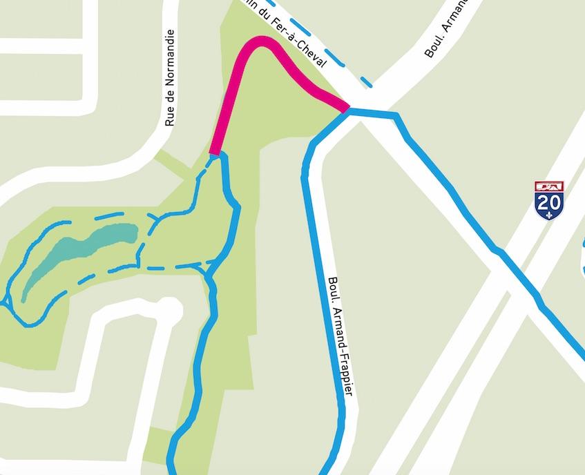 Construction d'une piste cyclable au pourtour de la pente à glisser à Sainte-Julie