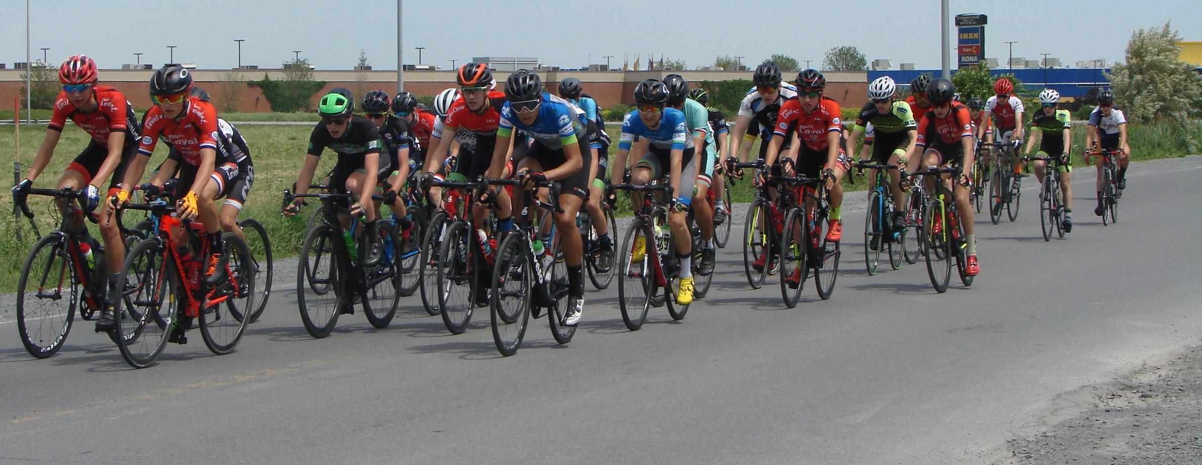 300 cyclistes à la Coupe du Québec, à Boucherville