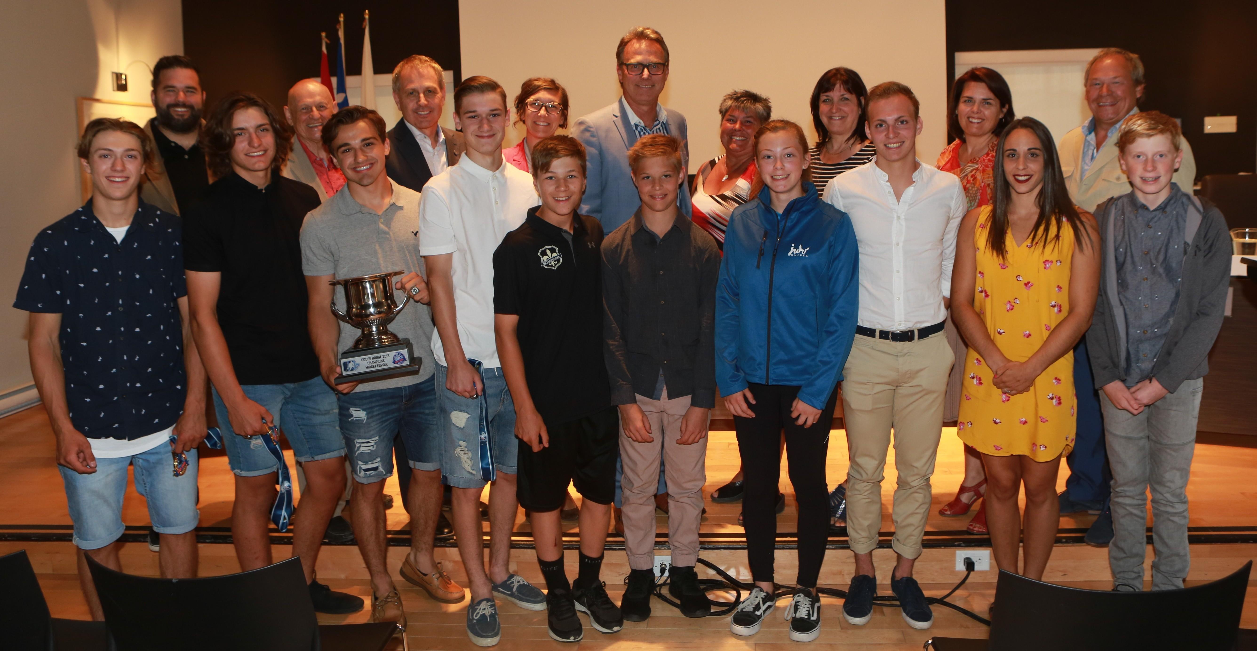 Jeunes sportifs varennois honorés par le conseil municipal de Varennes