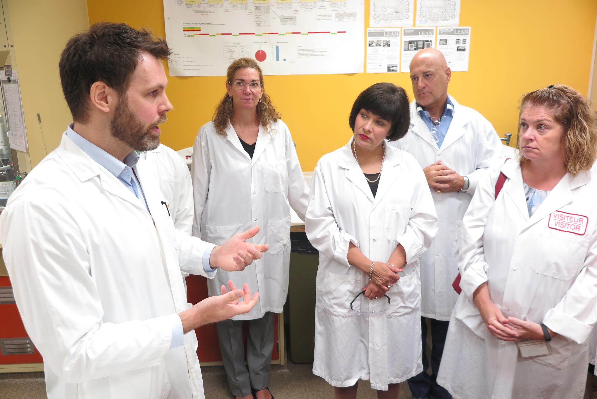 La ministre fédérale de la santé en visite dans la circonscription de Montarville