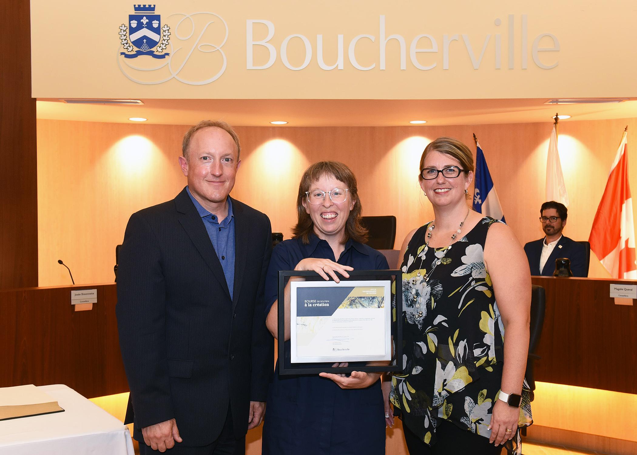 L'artiste bouchervilloise Julie Lequin reçoit une bourse de soutien de 5000 $