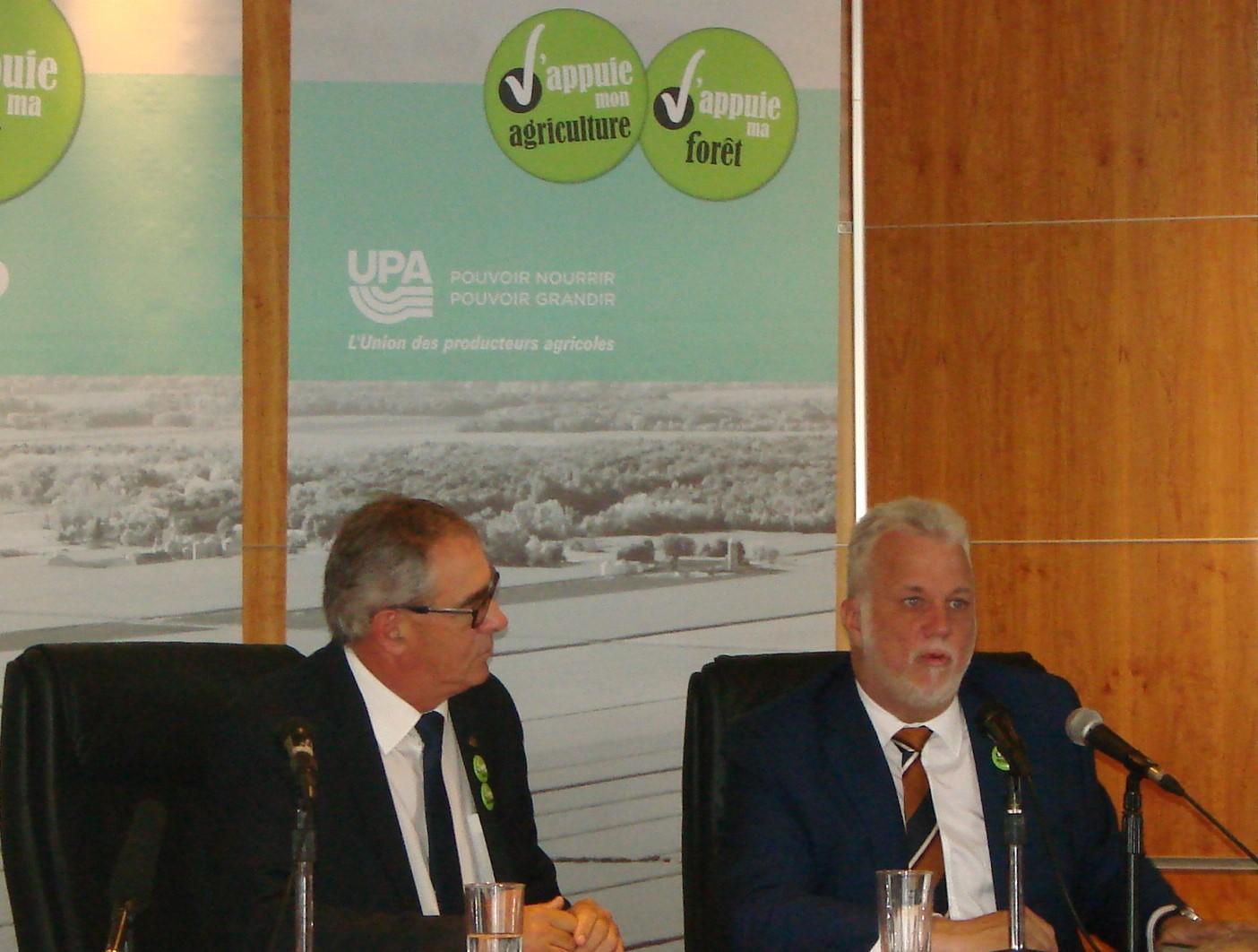 Couillard, Lisée et Legault courtisent les producteurs agricoles