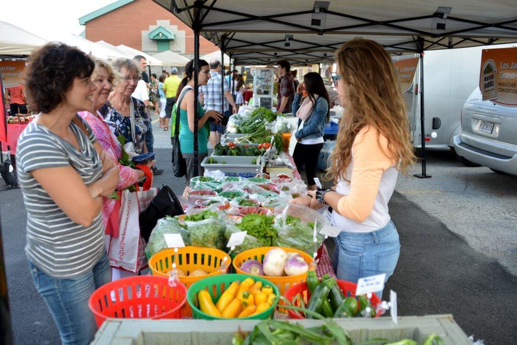 Le marché public termine sa cinquième saison avec une fête de fermeture à sainte-Julie