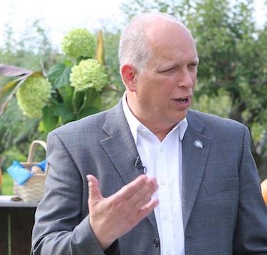 « Les citoyens sont tannés d'attendre partout! », déplore le candidat péquiste Stéphane Bergeron