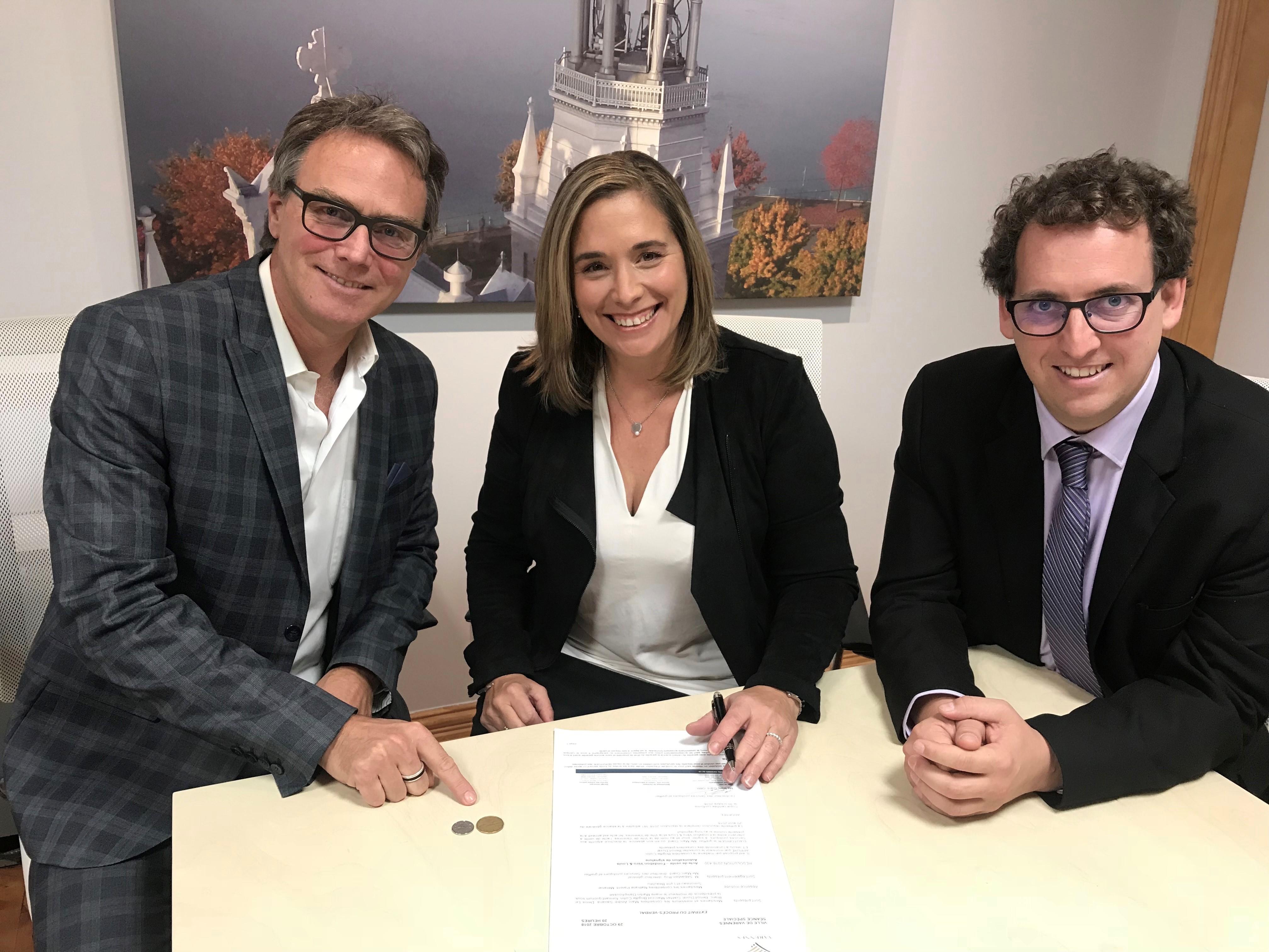 Varennes cède officiellement un terrain à la Fondation Véro & Louis