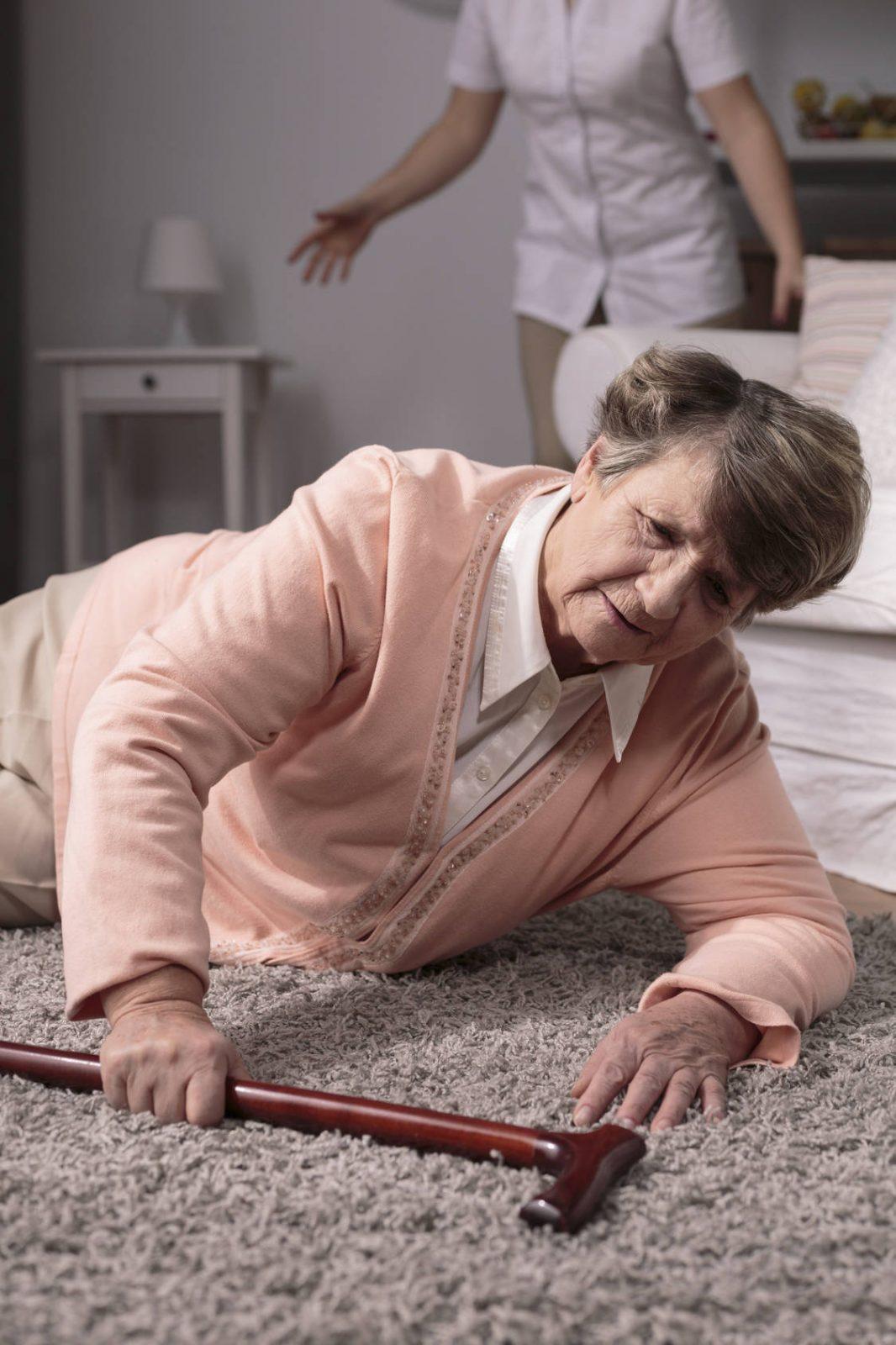 Personnes âgées : attention aux chutes!