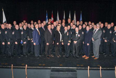 Soixante-et-onze pompiers de l'agglomération de Longueuil honorés pour services distingués