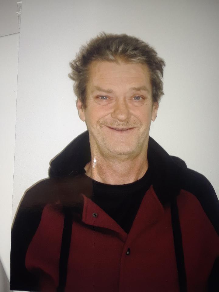 Un homme de 56 ans recherché par la police