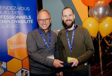 Place à l'emploi reçoit le Prix Innovation 2019 à l'occasion du Gala Méritas d'AXTRA