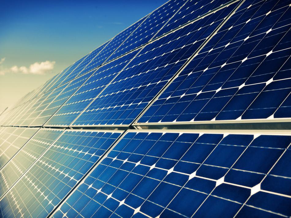 Un parc expérimental de 10 000 panneaux solaires à Varennes