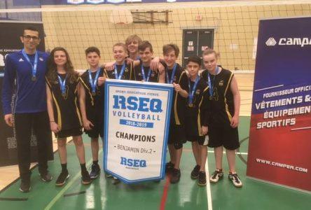 Volleyball : De Mortagne ira aux championnats provinciaux