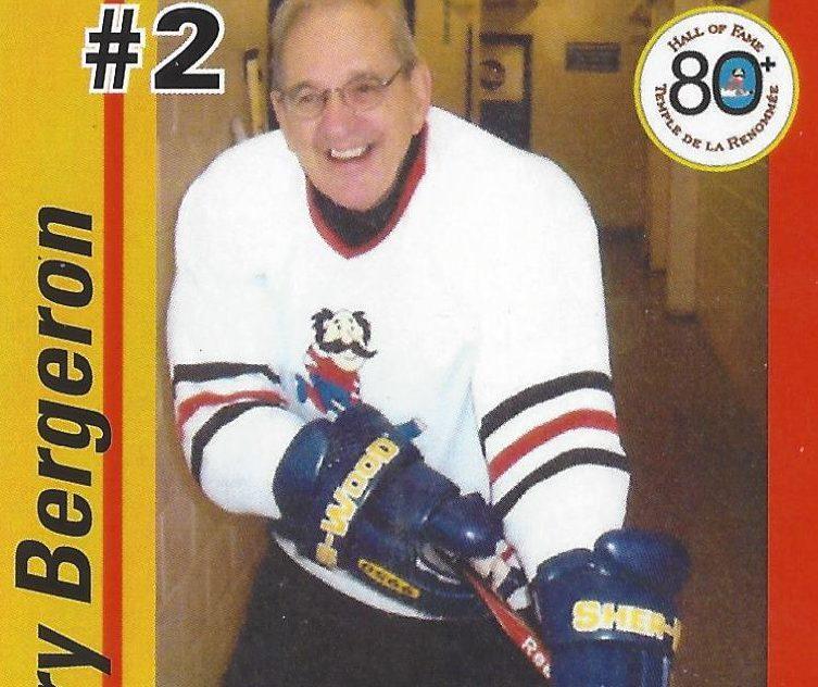 À 88 ans, il joue encore au hockey