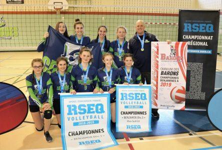 Deux équipes de l'école le Carrefour championnes en volleyball au RSEQ