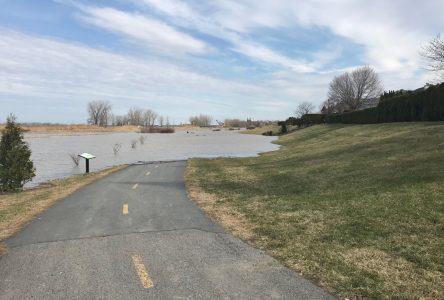 Niveau du fleuve et des rivières à Varennes : les autorités de la Ville surveillent la situation de près